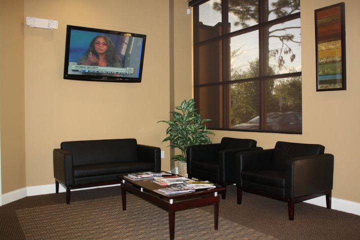 The waiting room at Oviedo Dental